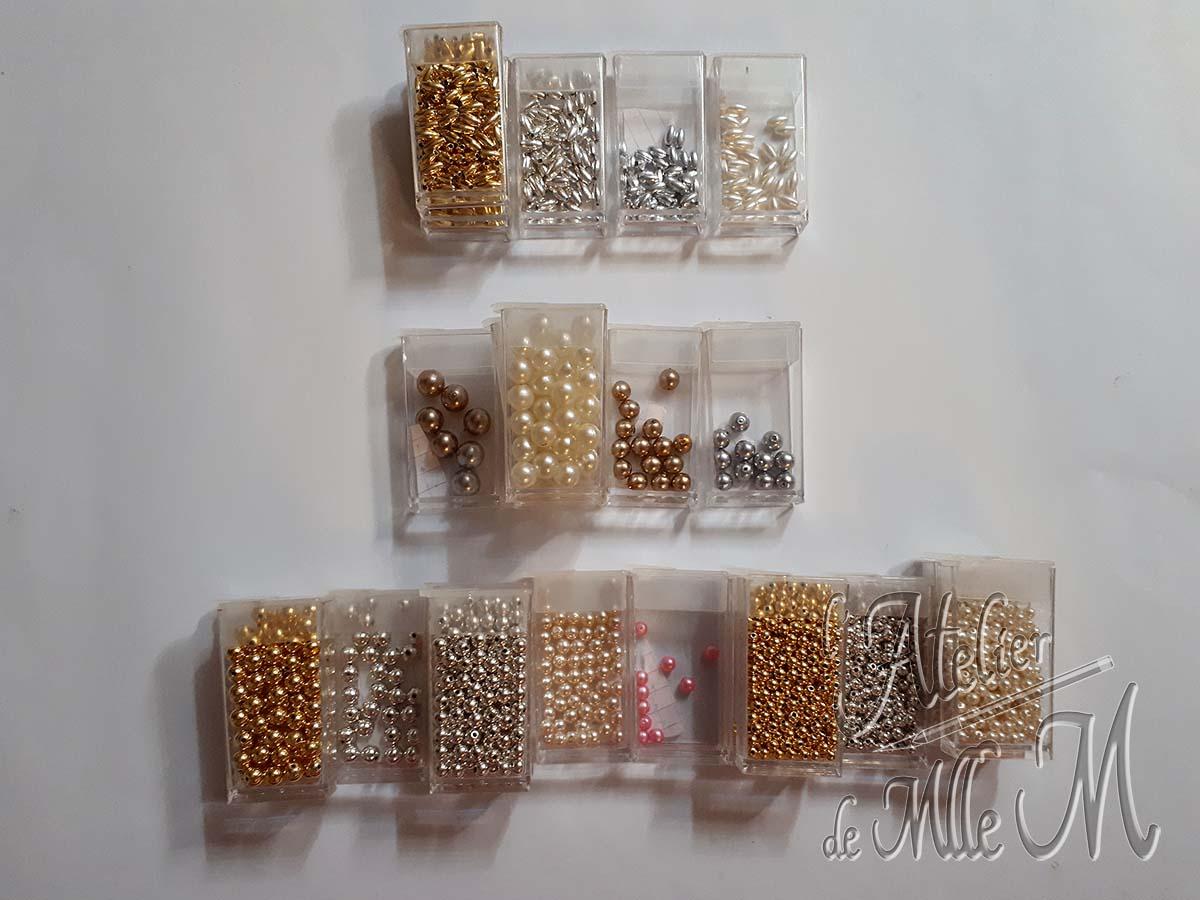 Vue sur les compartiments / godets de rangement pour perles que j'ai testé pour vous.