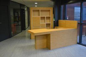 Bureau d'accueil en carton par SG Mobilier Carton – Angers.